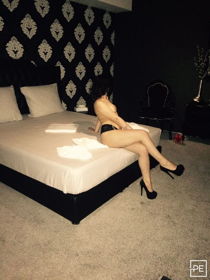 Erotic massage Vught